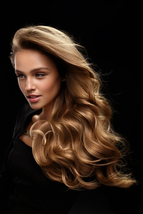 schönes kraftvolles Haar