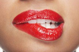 Lippenkorrektur / Lippenaufbau / Lippenvergrößerung